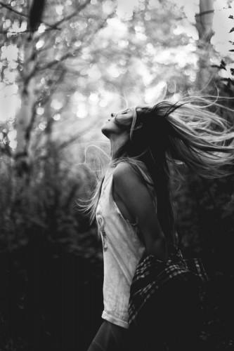 girl_flipping_hair